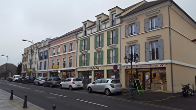 Local commercial Ozoir La Ferriere 51 m2