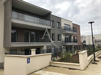 F2 CRECY LA CHAPELLE 44.41 m²